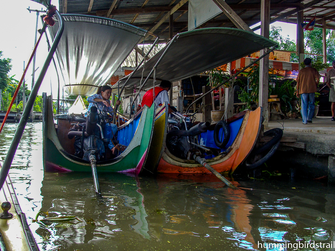 Place to hire boats for the floating market
