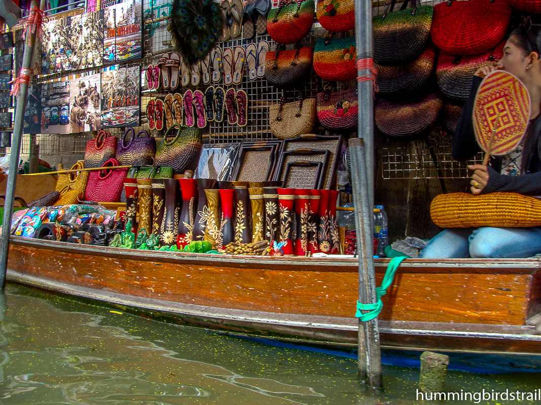 Handicrafts on Sampan