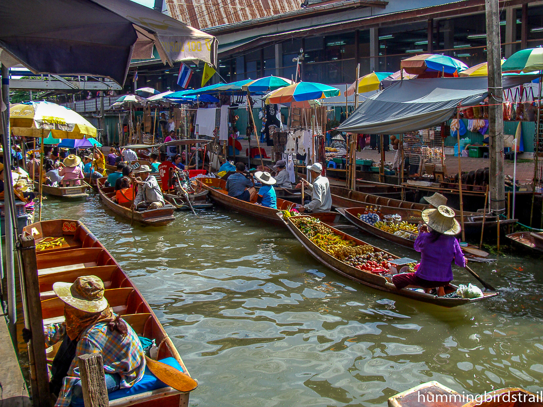A glimpse of Floating market